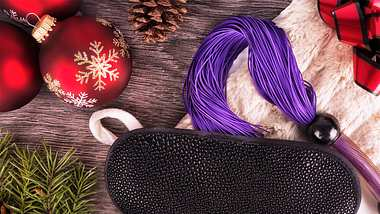 Erotik-Adventskalender sorgen für eine sinnliche Weihnachtszeit. - Foto: iStock