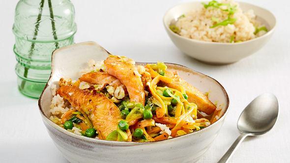 Dieses Lachscurry punktet mit heimischen Zutaten. - Foto: House of Food / Bauer Food Experts KG