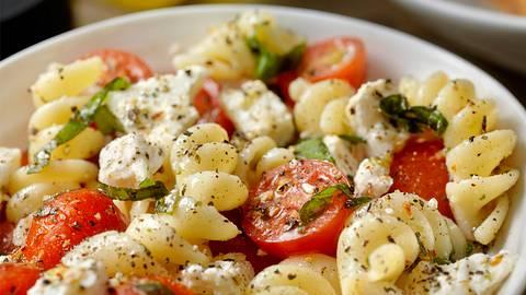 Trend-Rezept Feta Pasta: Für das TikTok-Rezept brauchst du nur 3 Zutaten! - Foto: LauriPatterson/iStock