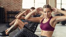 fettverbrennung-frau-macht-sport - Foto: Ridofranz/iStock