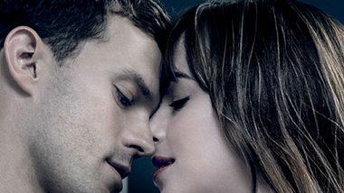 Warum es zwischen Christian Grey und Anastasia Steele in Fifty Shades of Grey so heftig funkt, verrät ein Blick auf ihre Sternzeichen! - Foto: Universal Pictures