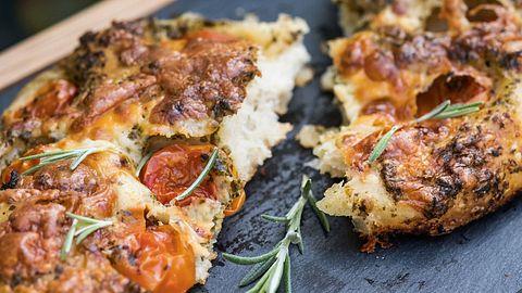 Focaccia Rezepte: Schlemmen wie im Italienurlaub - Foto: iStock/ PamelaJoeMcFarlane