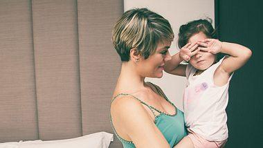 Fremdeln: Warum es für Kinder so wichtig ist - Foto: iStock