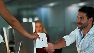 Intelligente Männer schätzen Treue mehr als einen Seitensprung. - Foto: iStock