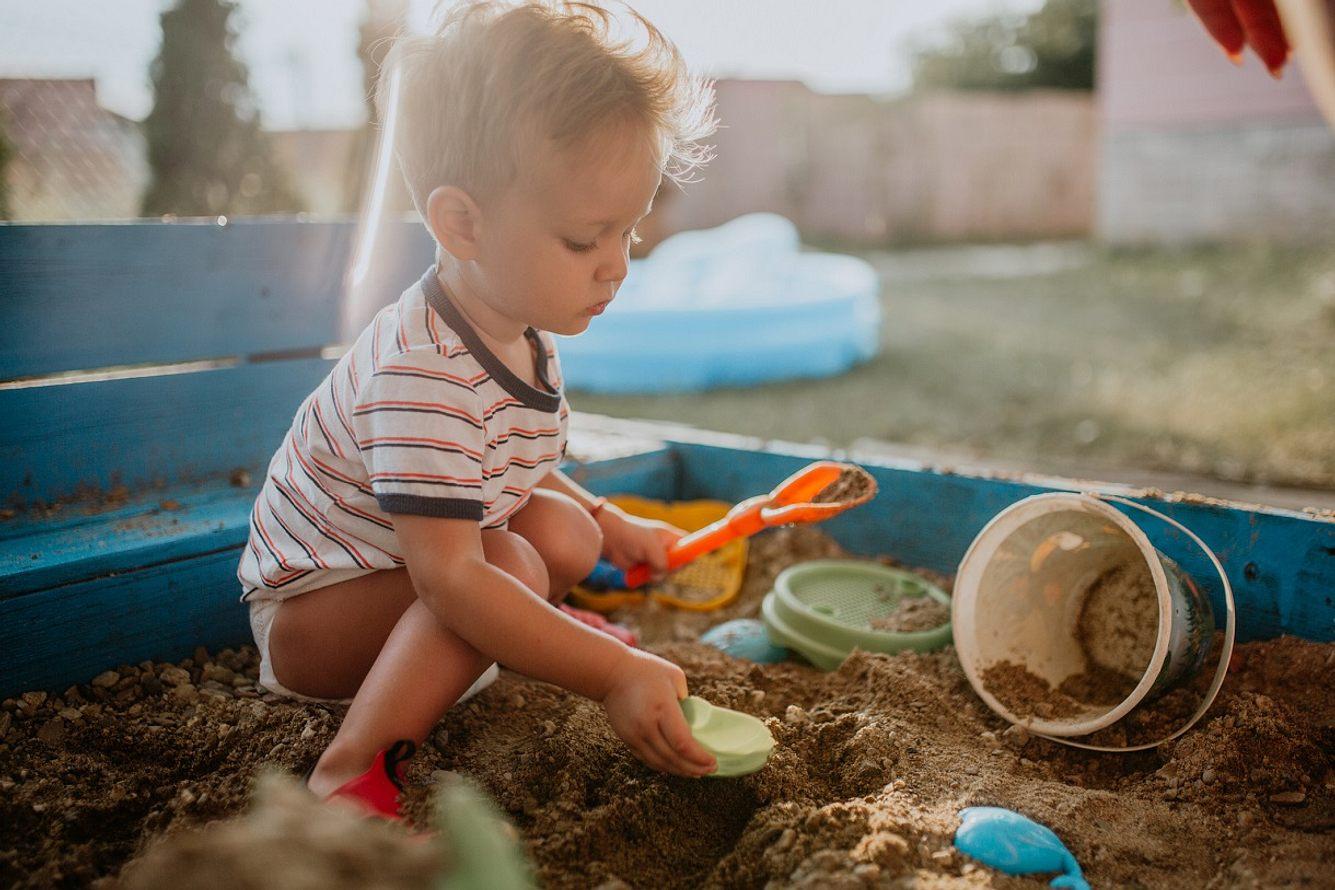 Mit Gartenspielzeug erleben Kinder eine wundervolle Zeit