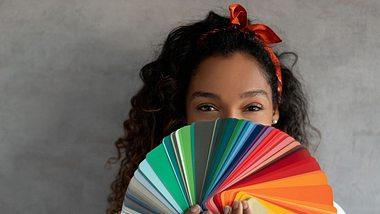 Welche Farbe du wählen sollst? Am besten deine Geburtsfarbe. - Foto: andresr/iStock
