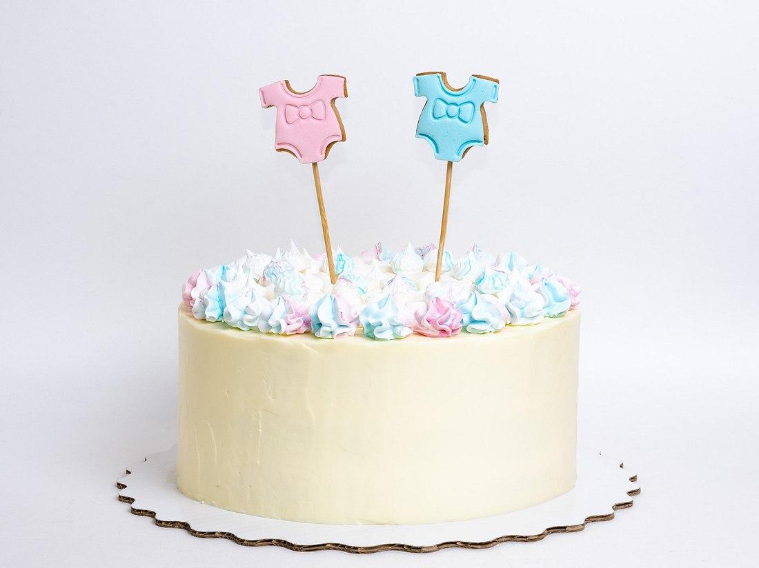 Kuchen als Gender Reveal Idee