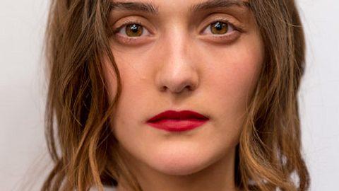 gesunde haare weniger waschen - Foto: Getty Images