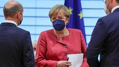 Kanzlerin Angela Merkel bei einer Kabinettssitzung im September. - Foto: GettyImages/ Omer Messinger