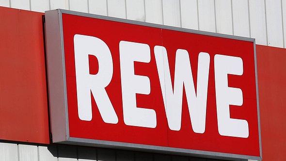 Rewe und Penny rufen Snacktomaten zurück. - Foto: IMAGO / Rene Traut