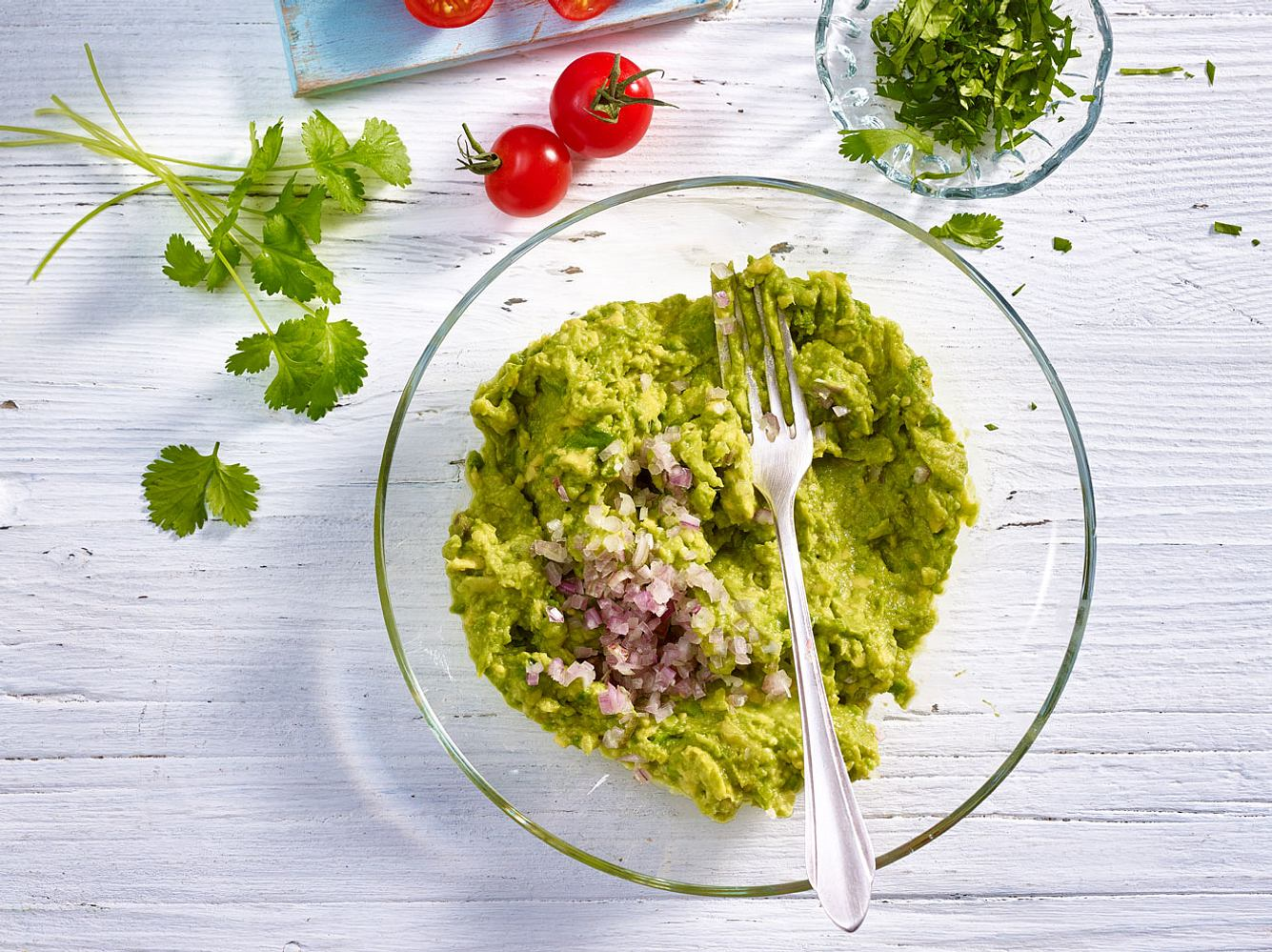 Eine Guacamole ist schnell gemacht.