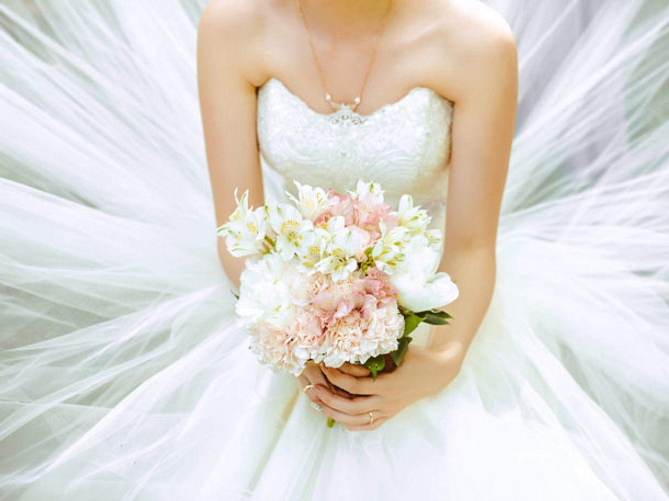 Günstige Brautkleider: Tolle Mode für den großen Tag