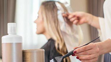 Trend-Haarfarben: Das tragen Frauen im Winter 2021/2022! - Foto: miljko/iStock