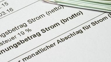Hartz IV: Empfänger können Strom nicht mehr bezahlen - Regelsatz ist zu niedrig - Foto: iStock