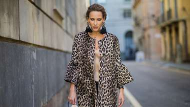 Mode-Herbsttrend 2018: So trägst du Animal Print richtig - Foto: Getty Images/Christian Vierig