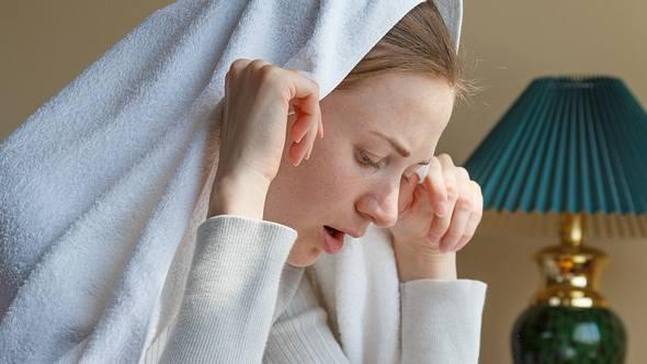 Das sind die besten Hausmittel gegen Heuschnupfen und Allergien. - Foto: iStock/alexxx1981