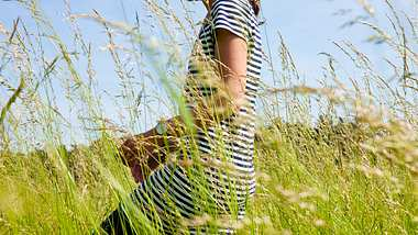 Diese Symptome sprechen für Heuschnupfen. - Foto: iStock/ horstgerlach