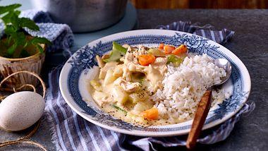 Unser Hühnerfrikassee Rezept ist klassisch und genauso gut wie bei Oma. - Foto: House of Food / Bauer Food Experts KG