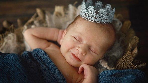 Adelige Namen: Die 20 schönsten königlichen Babynamen für kleine Prinzen und Prinzessinnen - Foto: LindaYolanda/iStock