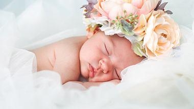 Indische Namen: Die schönsten Hindi-Babynamen für Jungen und Mädchen mit Bedeutung - Foto: druvo/iStock