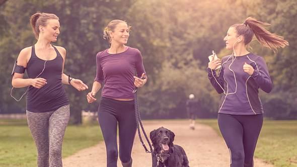 Joggen mit Hund: 10 Tipps, um seine Gesundheit nicht zu gefährden - Foto: LarsZahnerPhotography/iStock