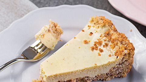 Käsekuchen ohne Zucker: Rezept für einen luftigen und sahnigen Kuchen - Foto: Dominique Bachmann aus dem Buch Ohne Zucker/ Christian Verlag