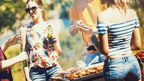 Kalorienarm grillen? Das ist ganz einfach - Foto: iStock