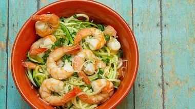 Lecker, leicht und einfach nachzukochen - unsere 10 kalorienarmen Gerichte. - Foto: iStock/RondaKimbrow