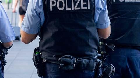 In Dänischenhagen bei Kiel sind zwei Menschen getötet worden. Der Täter befindet sich auf der Flucht. - Foto: Pradeep Thomas Thundiyil / iStock