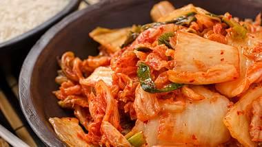 Unser Kimchi Rezept ist einfach zuzubereiten. - Foto: iStock/Fudio