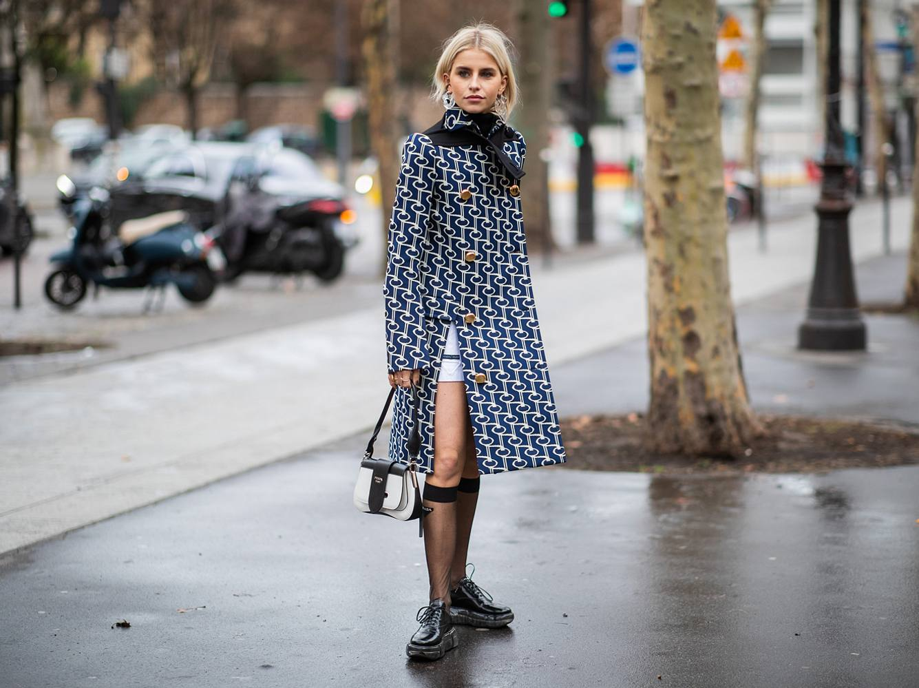 Kniestrümpfe sind ein perfekter Herbst/Winter-Begleiter: So kombinierst du den Modetrend 2019/2020 besonders schön!
