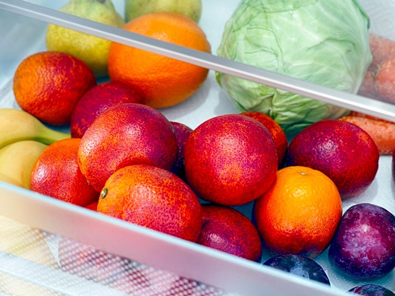 Kühlschrank Klemmschublade mit Gemüse und Obst