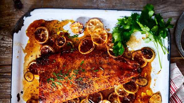 Um Lachs zu grillen braucht es eine gute Marinade. - Foto: House of Foods