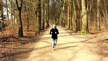 Laufkolumne: Mareike läuft einen Halbmarathon mit vielen anderen Menschen - warum das ein Problem ist. - Foto: privat