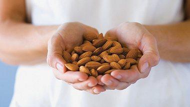 leckere snack ideen mit mandeln - Foto: PR