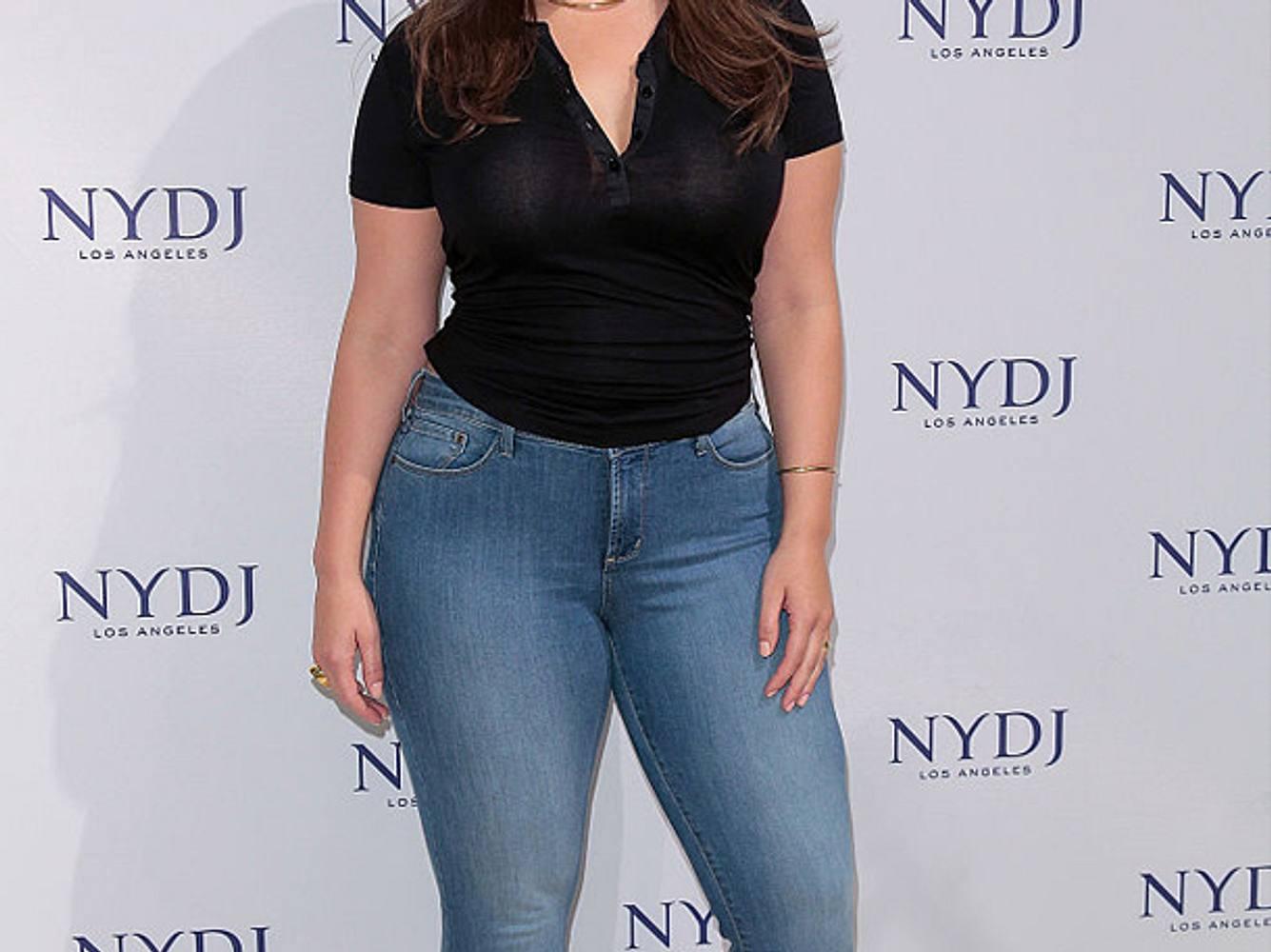 Die Plus-Size-Jeans von Levi's steht Frauen mit Kurven perfekt