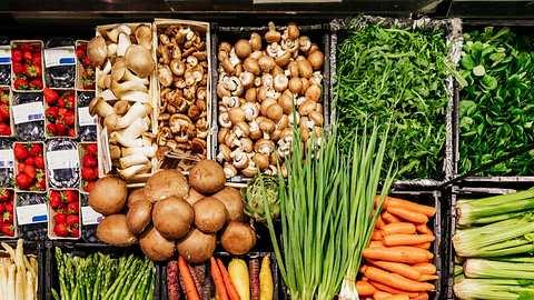 Lidl: Sparen & Gutes Tun - Aktion gegen Lebensmittelverschwendung - Foto: iStock/TommL