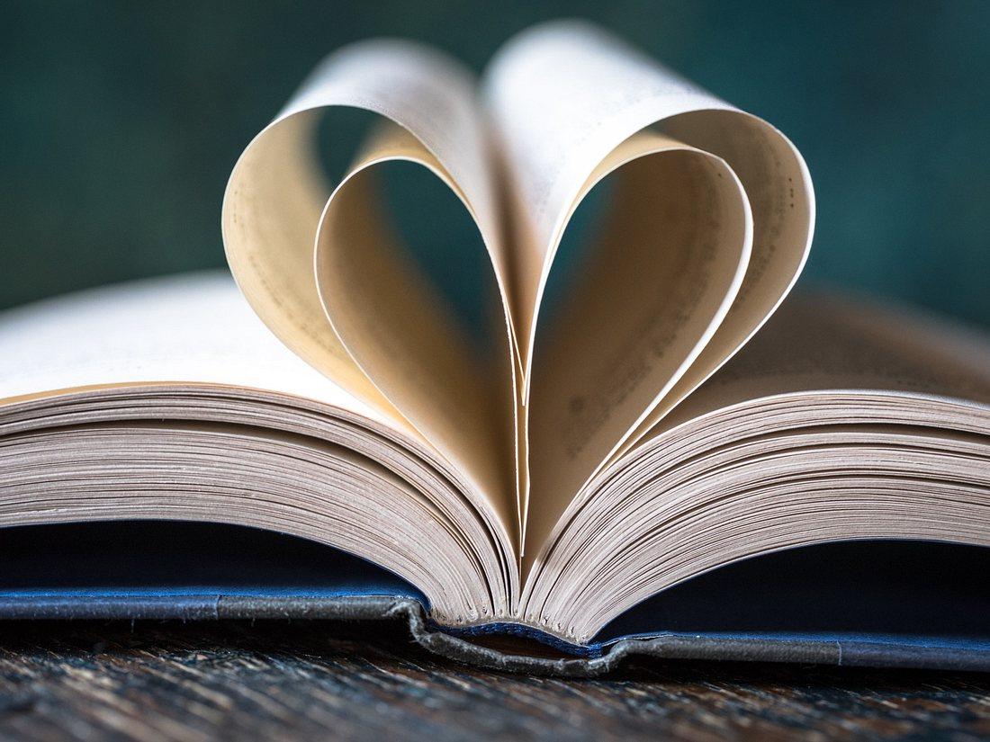 Buch mit Liebesgeschichten