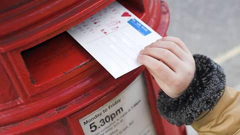 Mädchen schreibt Brief an tote Mutter - und bekommt Antwort - Foto: iStock/Symbolbild