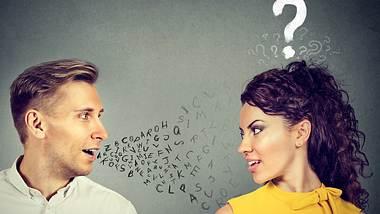 Viele Frauen wünschen sich, typische Verhaltensweisen von Männern zu verstehen. Unser Experte hilft. - Foto: SIphotography / iStock