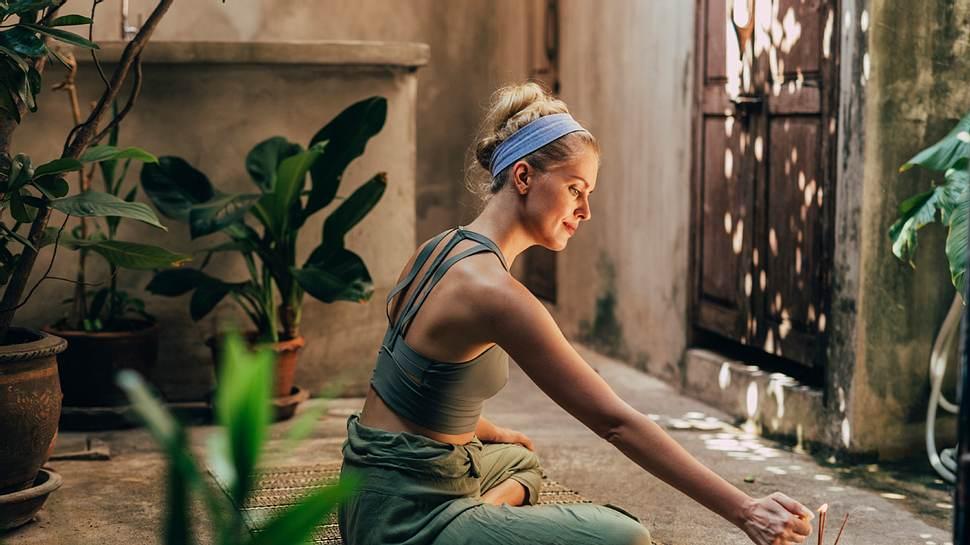 Meditationsraum: Einrichtungs-Tipps für die Ruheoase im eigenen Zuhause - Foto: FreshSplash/iStock