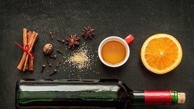 Honigwein oder Met schmeckt sowohl warm als auch kalt. - Foto: Cleardesign1/iStock