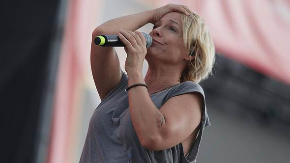 Michelle hat sich zu einem drastischen Schritt entscheiden - sie unterzieht sich einer gefährlichen OP... - Foto: IMAGO / mix1
