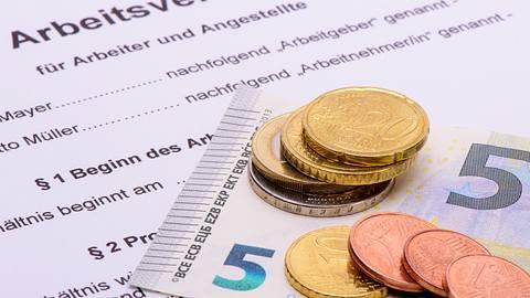 Der Mindestlohn könnte bis 2022 deutlich steigen. - Foto: filmfoto/ istock