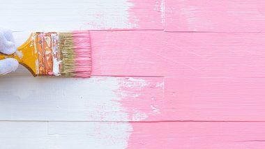 Jeder kann seine Möbel selbst streichen. - Foto: iStock/spukkato