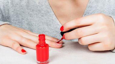 Nagellack auftragen: So wird das Ergebnis perfekt! - Foto: iStock