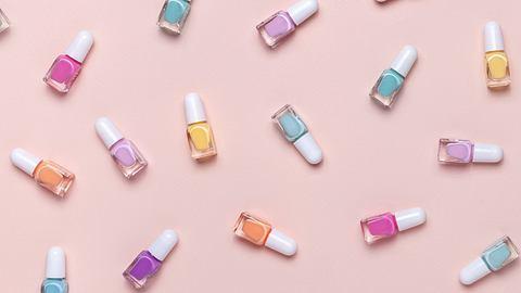 Nagellack schneller trocknen: 5 geniale Beauty-Hacks für die perfekte Maniküre - Foto: Svetlana Vorontsova/iStock