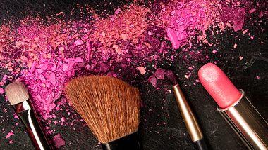 Beauty Trend Neon Make-Up - Foto: iStock/Plateresca