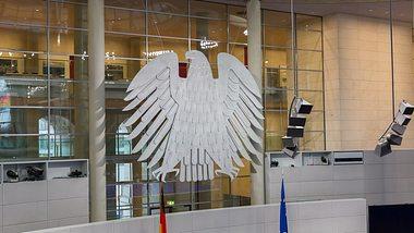 Neue Corona Regeln für Deutschland: Das hat der Bundestag beschlossen - Foto: iStock/Christian Ader