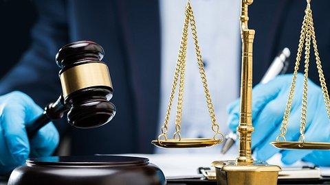 Neue Gesetze und Änderungen 2021: Der Lockdown wird verlängert - Foto: AndreyPopov/iStock